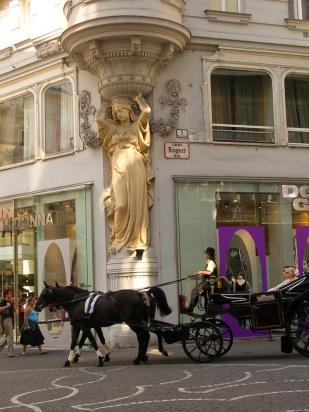 Sculpture sur la rue de Tuchlauben - Vienne