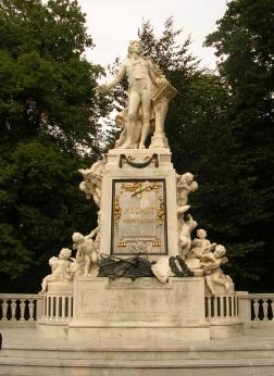 Monument de Mozart dans le parc Burggarten - Vienne