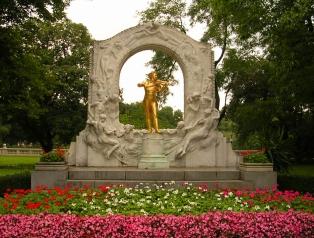 Monument à Johann-Strauss, situé près du Kursalon Hübner Stadtpark - Vienne